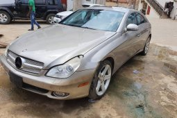 Naija Used 2006 Grey Mercedes-Benz CLS for sale in Lagos