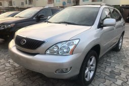Foreign Used 2004 Silver Lexus RX for sale in Lagos.