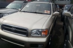 Very Clean Naija Used Nissan Pathfinder 2002 Model
