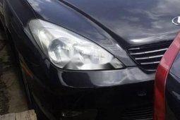 Foreign Used 2002 Black Lexus ES for sale in Lagos.