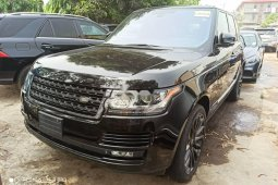 Foreign Used 2015 Black Land Rover Range Rover Vogue for sale in Lagos.