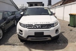Foreign Used 2015 White Land Rover Range Rover for sale in Lagos.