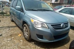 Foreign Used 2009 Blue Volkswagen Routan for sale in Lagos.