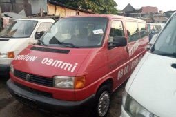 Tokunbo Volkswagen Transporter 2000 Model Red
