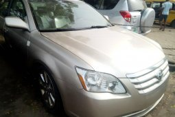 Foreign Used Toyota Avalon 2005 Model Gold
