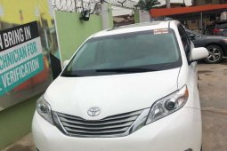 Foreign Used Toyota Sienna 2011 Model White