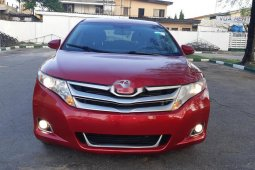 Foreign Used 2013 Maroon Toyota Venza for sale in Lagos.
