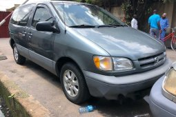 Foreign Used Toyota Sienna 1999 Model Gray