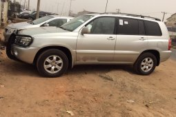 Foreign Used 2002 Toyota Highlander for sale in Lagos.