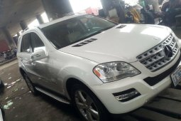 Foreign Used 2010 White Mercedes-Benz ML350 for sale in Lagos.
