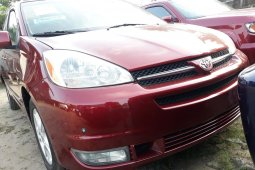 Foreign Used Toyota Sienna 2005 Model Red