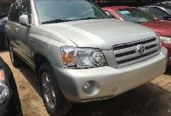 Foreign Used 2007 Silver Toyota Highlander for sale in Lagos.