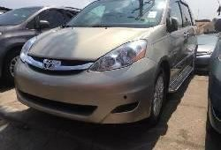 Foreign Used 2008 Gold Toyota Sienna for sale in Lagos.