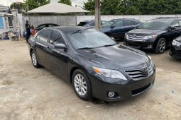 Super Clean 2010/2011 Toyota Camry XLE  for sale