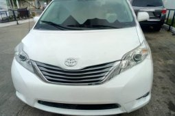 Foreign Used Toyota Sienna 2013 Model White