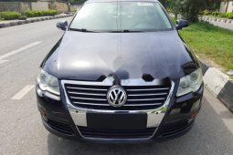 Foreign Used 2010 Volkswagen Passat for sale in Lagos.