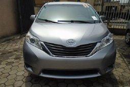 Nigeria Used Toyota Sienna 2011 Model Silver