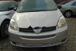 Foreign Used Toyota Sienna 2004 Model Silver