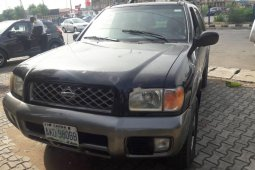 Naija Used 2001 Nissan Pathfinder for sale