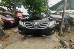 Foreign Used 2009 Black Toyota Camry for sale in Lagos.