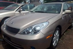 Clean Foreign Used 2005 Gold Lexus ES for sale in Lagos