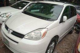 Nigeria Used Toyota Sienna 2004 Model White