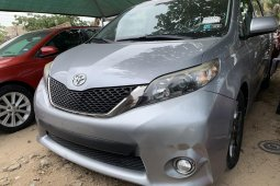 Clean Foreign Used Toyota Sienna 2011 Mode for sale