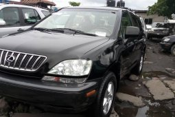 Foreign Used 2003 Black Lexus RX for sale in Lagos.