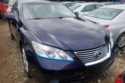 Foreign Used 2008 Blue Lexus ES for sale in Lagos.