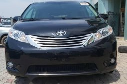 Foreign Used Toyota Sienna 2011 Model Black