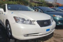 Foreign Used 2008 White Lexus ES for sale in Lagos.