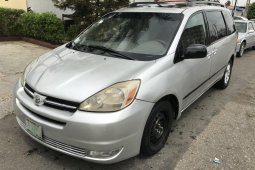 Nigerian Used Toyota Sienna 2004 Model
