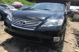 Foreign Used 2010 Black Lexus ES for sale in Lagos.