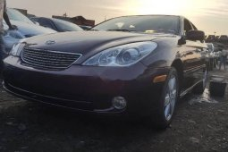 Foreign Used 2006 Maroon Lexus ES for sale in Lagos.