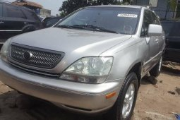 Foreign Used 2000 Silver Lexus RX for sale in Lagos.