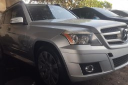 Foreign Used 2011 Silver Mercedes-Benz GLK for sale in Lagos.