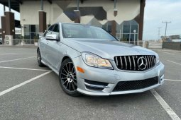 Foreign Used Mercedes-Benz C300 2012 Model Silver