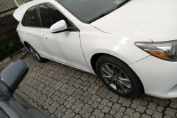 Foreign Used 2016 White Toyota Camry for sale in Lagos.