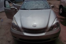 Foreign Used 2004 Silver Lexus ES for sale in Lagos.