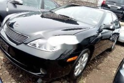 Foreign Used 2005 Black Lexus ES for sale in Lagos.