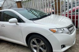 Foreign Used 2010 White Toyota Venza for sale in Lagos.