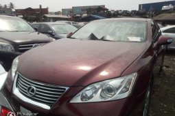 Foreign Used 2009 Maroon Lexus ES for sale in Lagos.