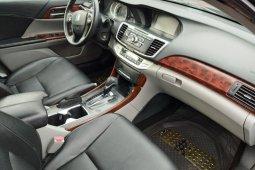 Selling 2013 Honda Accord sedan