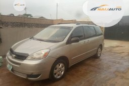 Toyota Sienna 2005 ₦1,600,000 for sale