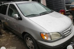 Toyota Sienna 2002 ₦1,500,000 for sale