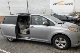 Toyota Sienna 2011 ₦4,750,000 for sale