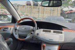 Toyota Avalon 2008 ₦3,000,000 for sale