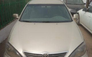 Nigeria Used Toyota Camry 2004 Model Gold