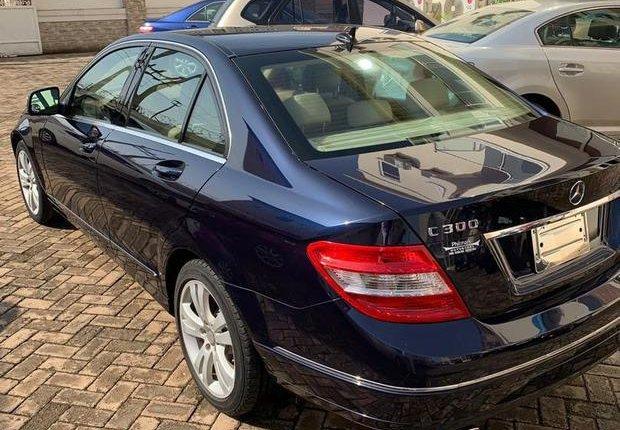 Mercedes-Benz C300 2009 Blue for sale-10