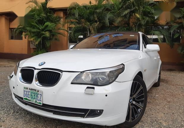 Certified white 2010 BMW 530i automatic in good condition-3
